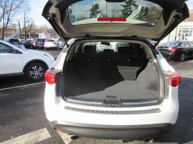 2017 INFINITI QX70 AWD 3