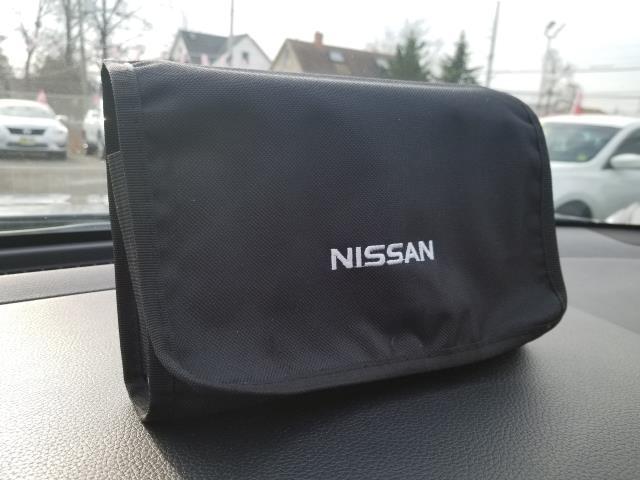 2016 Nissan Rogue S 24