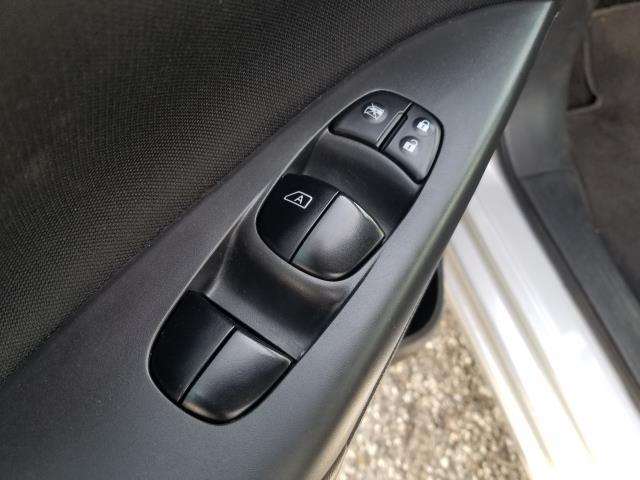 2018 Nissan Sentra SV 17