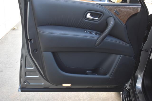 2015 INFINITI QX80 4WD 4dr 11