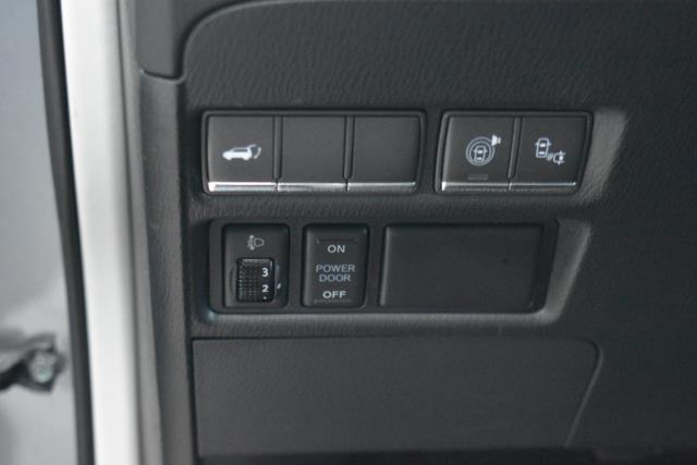2015 INFINITI QX80 4WD 4dr 16