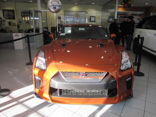 2018 Nissan GT-R Premium 3