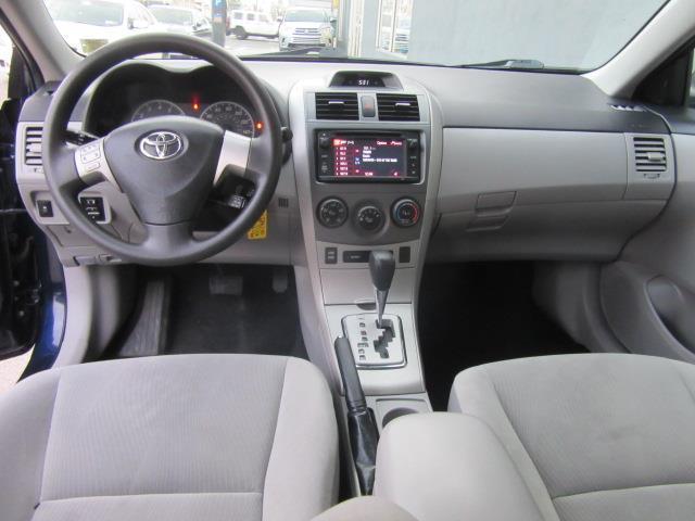 2013 Toyota Corolla LE 11