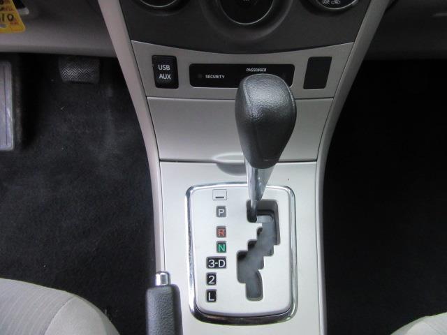 2013 Toyota Corolla LE 19