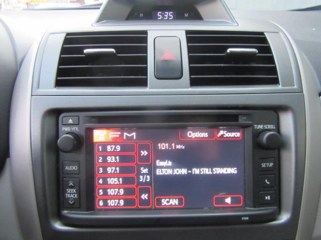 2013 Toyota Corolla LE 23