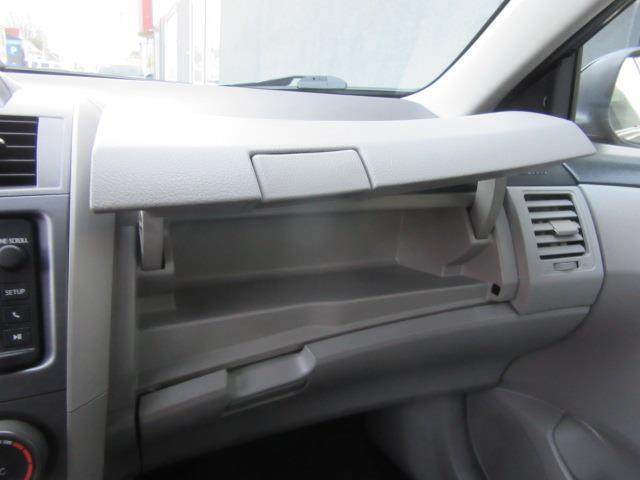 2013 Toyota Corolla LE 24