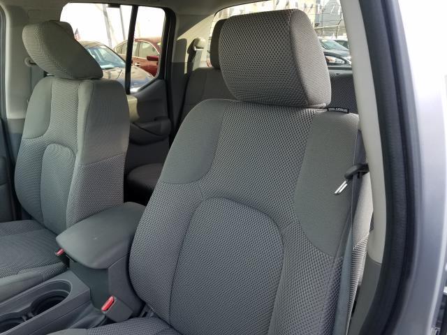 2016 Nissan Frontier S 10