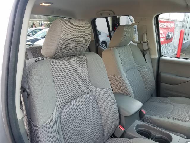 2016 Nissan Frontier S 14