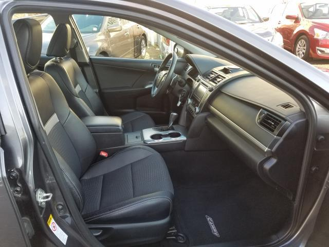 2013 Toyota Camry SE 12