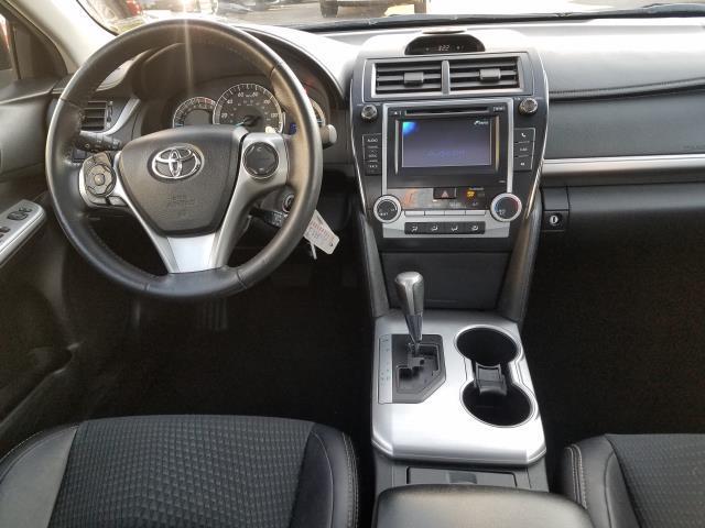 2013 Toyota Camry SE 16