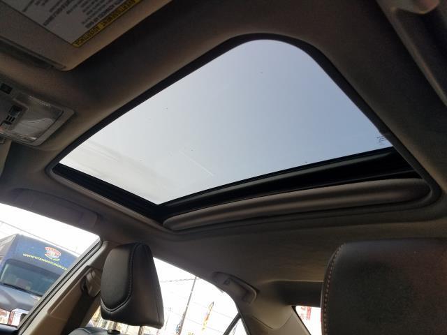 2013 Toyota Camry SE 19