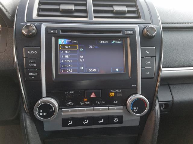 2013 Toyota Camry SE 23