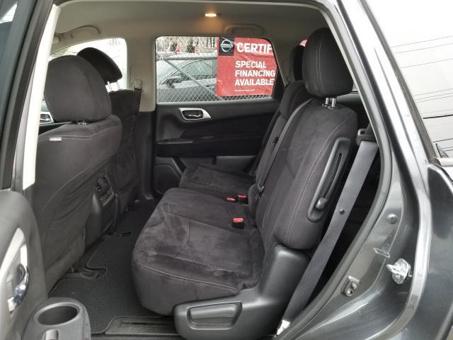 2013 Nissan Pathfinder S 9