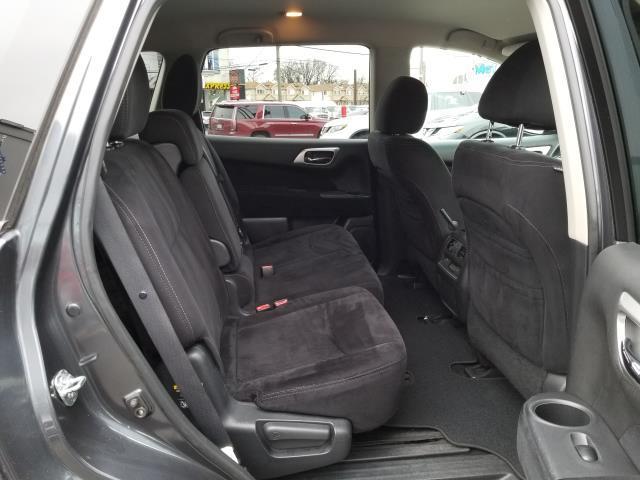 2013 Nissan Pathfinder S 14