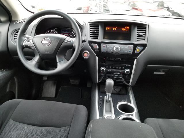 2013 Nissan Pathfinder S 18