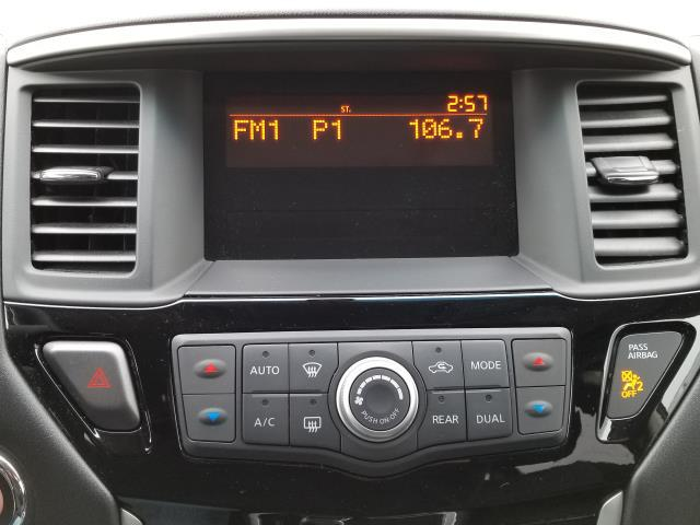 2013 Nissan Pathfinder S 22