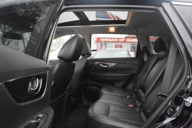 2016 Nissan Rogue SL 14