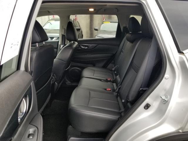 2015 Nissan Rogue SL 8