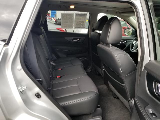 2015 Nissan Rogue SL 13