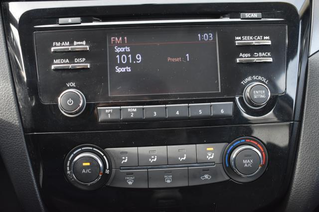 2016 Nissan Rogue S 17
