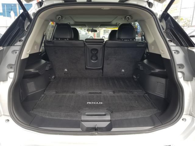 2015 Nissan Rogue SL 11