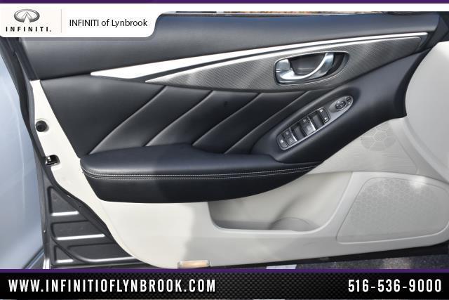 2015 INFINITI Q50 4dr Sdn AWD 13