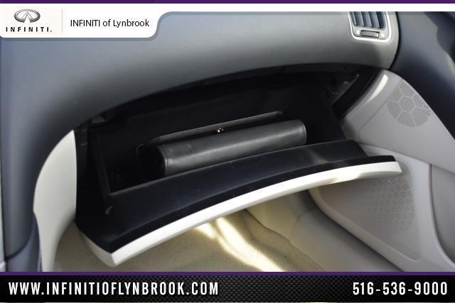 2015 INFINITI Q50 4dr Sdn AWD 27