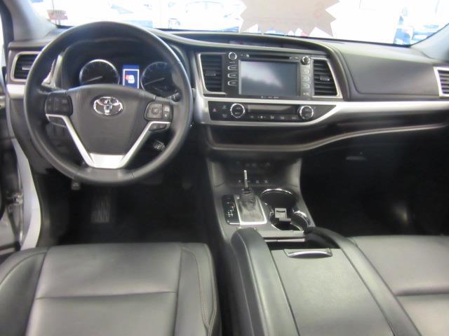 2018 Toyota Highlander XLE 12