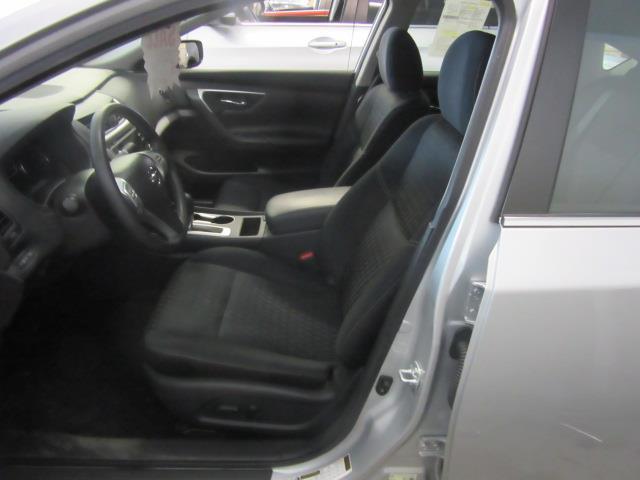 2017 Nissan Altima 2.5 S 8