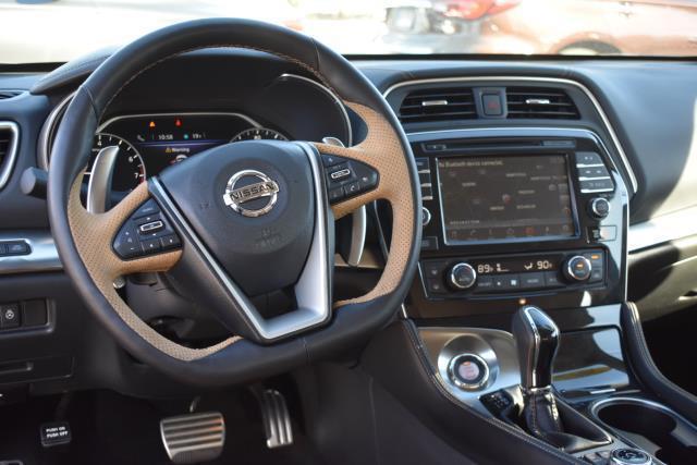 2017 Nissan Maxima SR 9