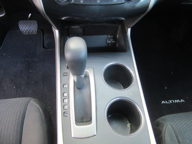 2015 Nissan Altima 2.5 S 23
