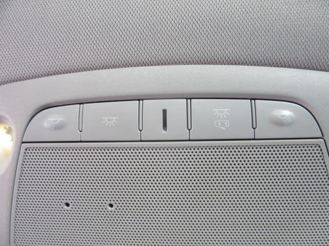 2018 Nissan Rogue S 26