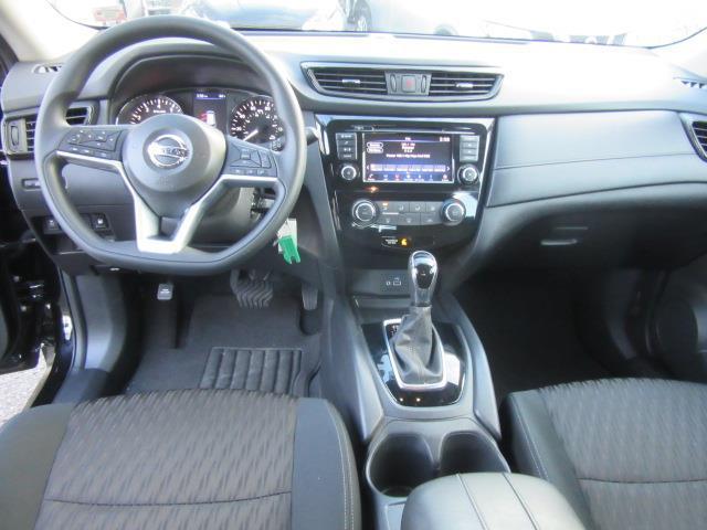 2018 Nissan Rogue S 11