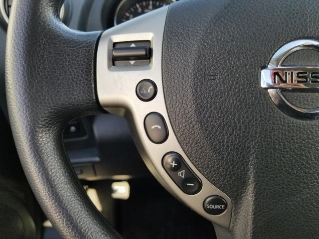2015 Nissan Rogue Select S 18