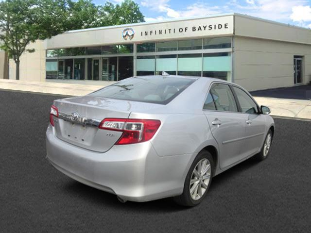 2012 Toyota Camry XLE 2