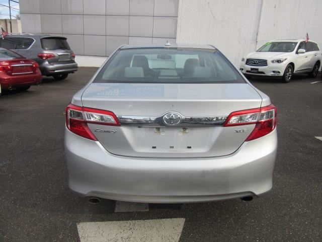 2012 Toyota Camry XLE 4