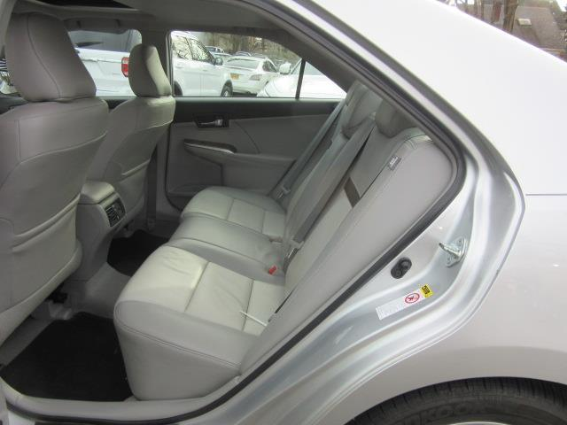 2012 Toyota Camry XLE 11