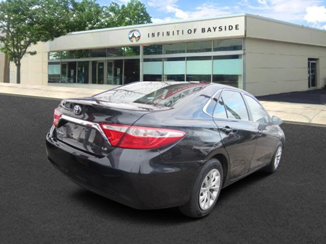 2015 Toyota Camry LE 2