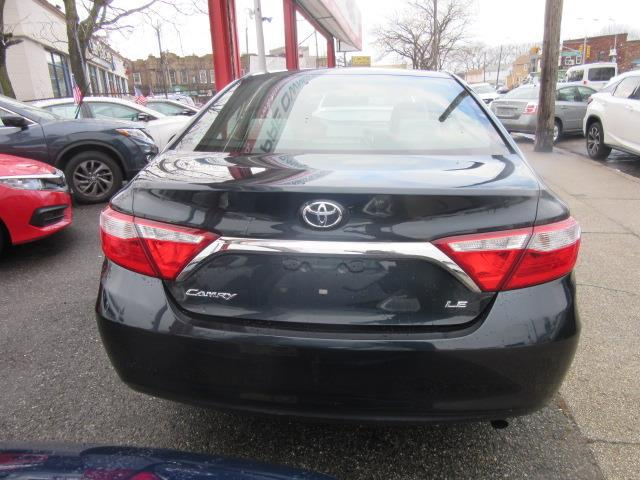 2015 Toyota Camry LE 4