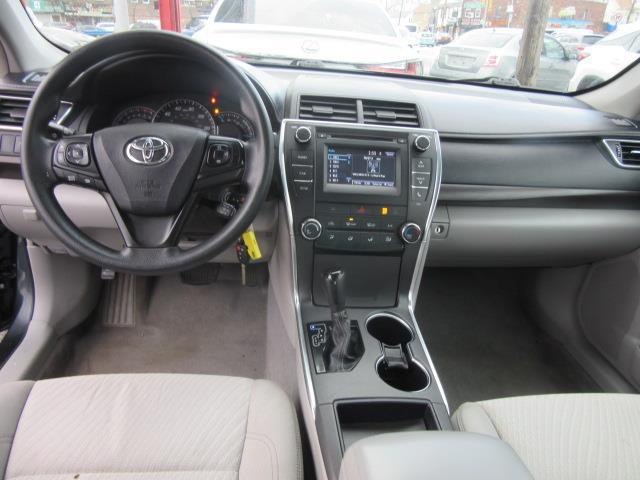2015 Toyota Camry LE 10