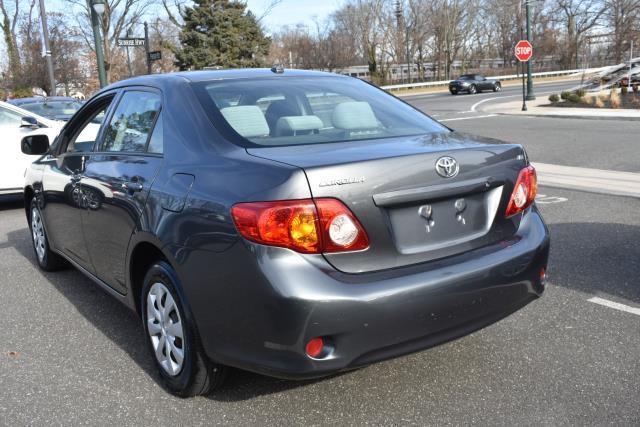 2010 Toyota Corolla LE 1