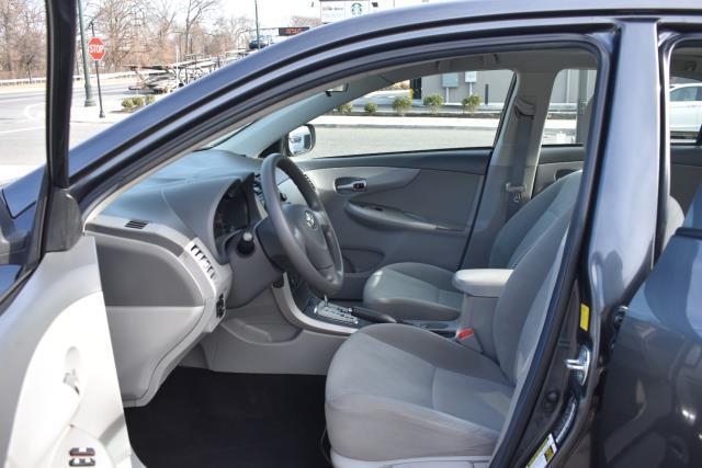 2010 Toyota Corolla LE 10
