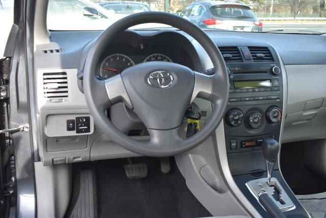 2010 Toyota Corolla LE 12