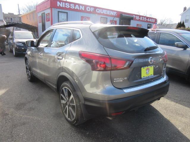 2017 Nissan Rogue Sport SL 1