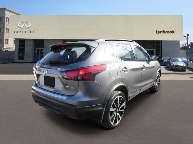 2017 Nissan Rogue Sport SL 2