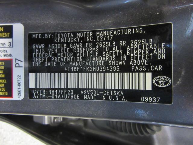 2017 Toyota Camry SE 28
