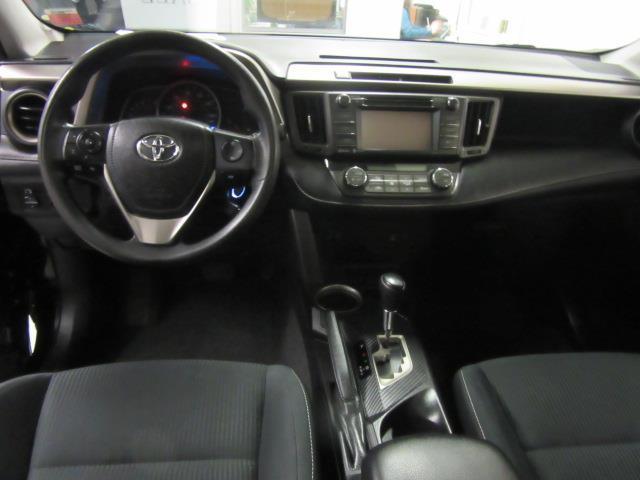 2015 Toyota RAV4 XLE 12