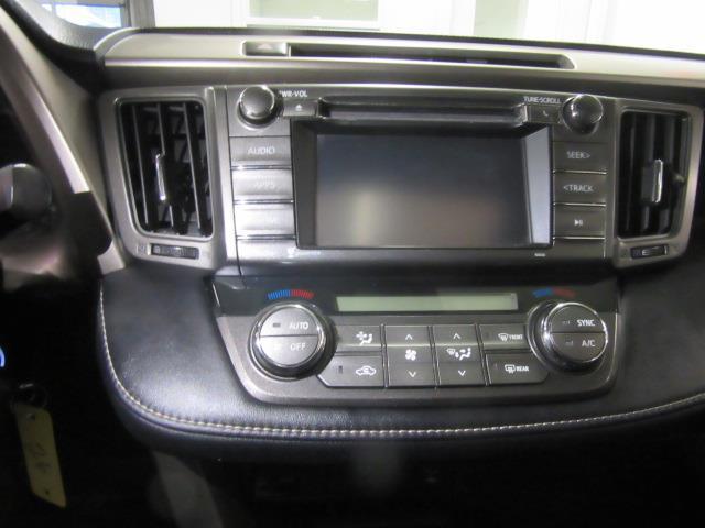 2015 Toyota RAV4 XLE 22
