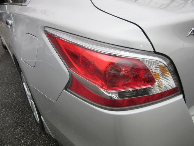 2015 Nissan Altima 2.5 SV 9