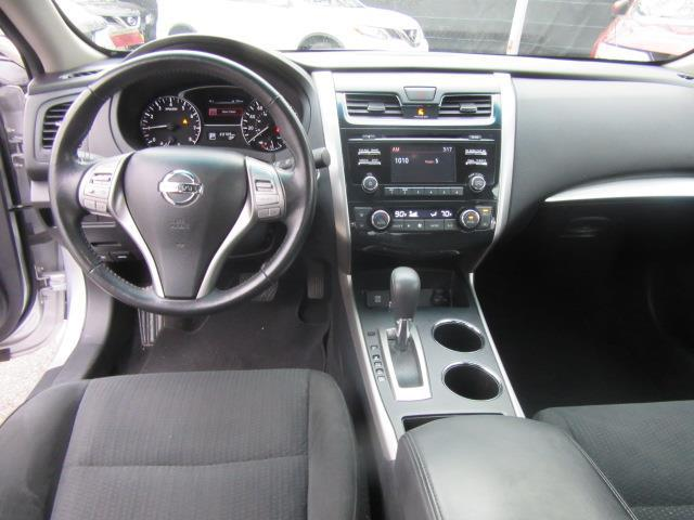 2015 Nissan Altima 2.5 SV 13